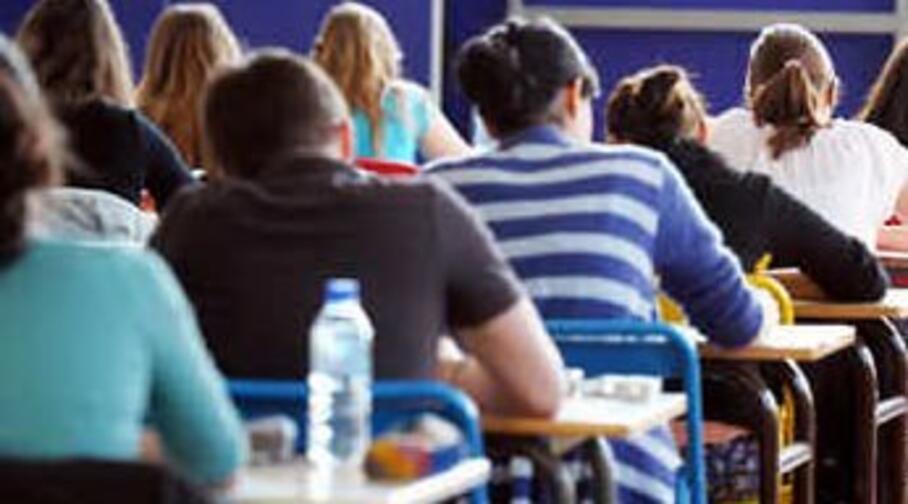 studenti durante un compito in classe