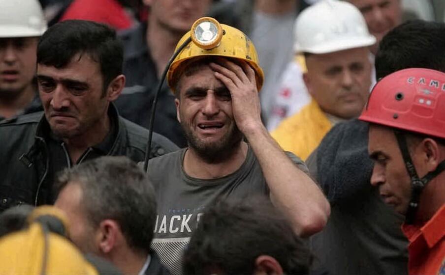 il dolore dei minatori scampati