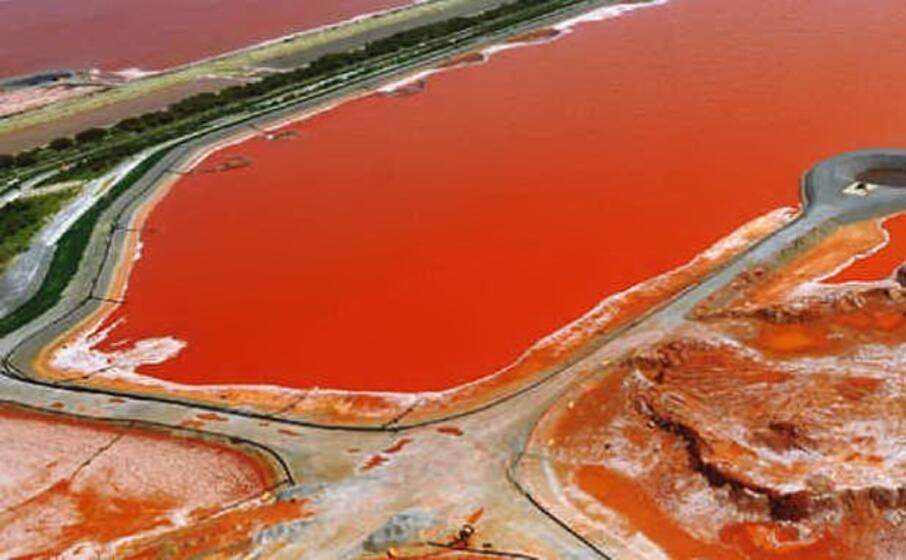 il bacino dei fanghi rossi