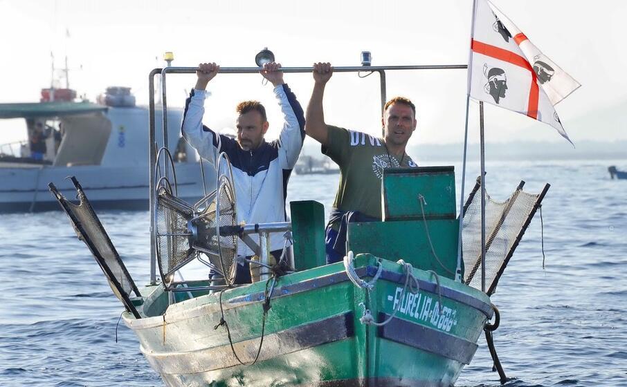la protesta dei pescatori (foto di alessandra chergia)