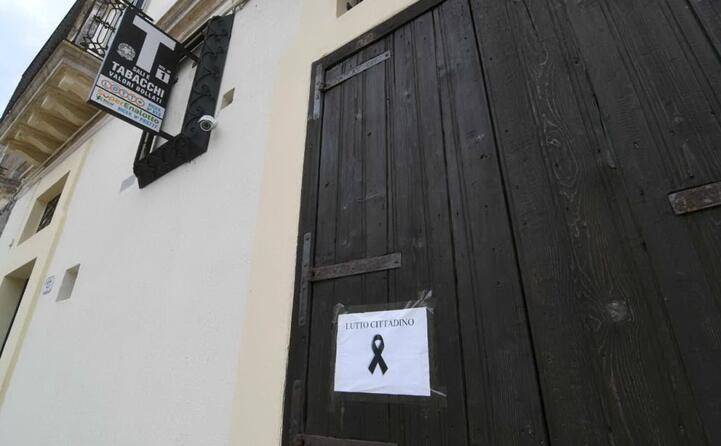 le attivit commerciali di specchia sono chiuse per lutto cittadino