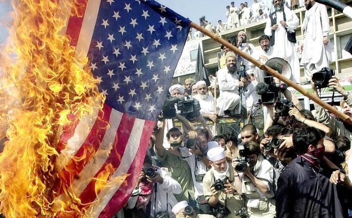 manifestazione contro gli stati uniti in pakistan (ansa)