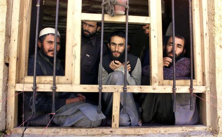 prigionieri talebani (ansa)