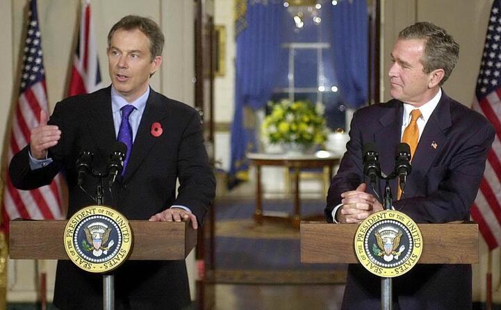 tony blair e george w bush premier britannico e presidente usa (ansa)