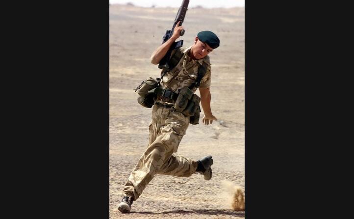 un soldato britannico (ansa)