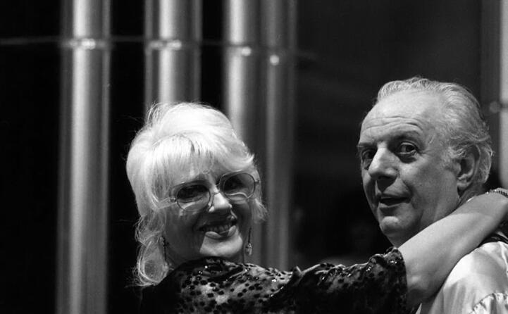 nel 1954 sposa l attrice e collega franca rame (ansa)
