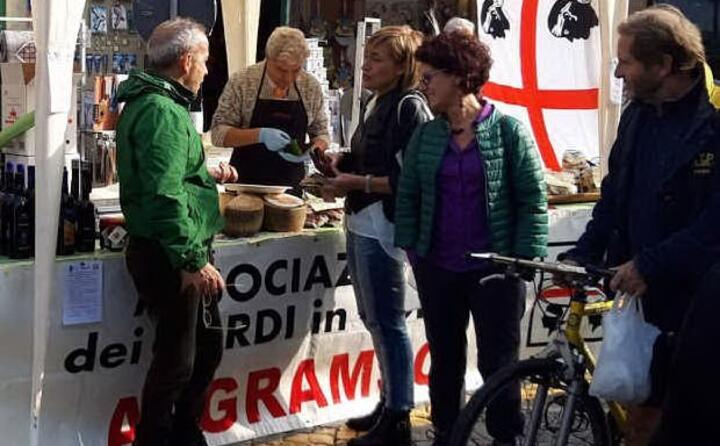 promozione dei prodotti tipici alla fiera del sedano rosso organizzata dal gruppo d acquisto solidale kent annos