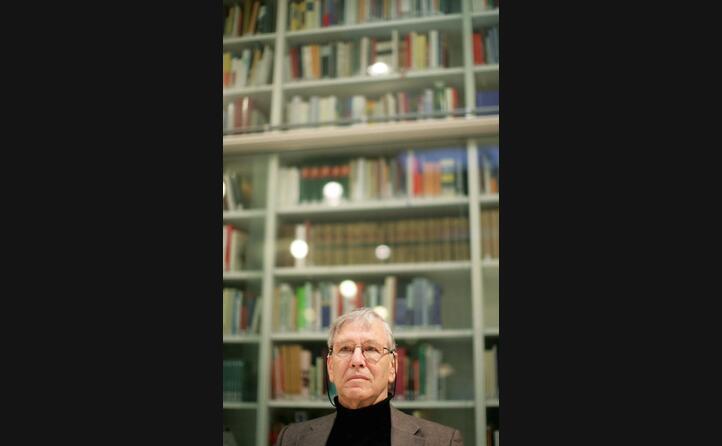 fra le sue produzioni pi di 18 libri in ebraico tra cui romanzi novelle raccolte di racconti e saggi