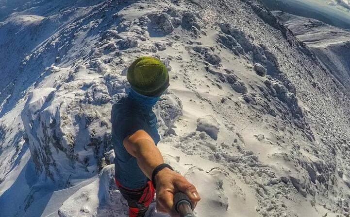poteva mancare la neve a punta la marmora dopo la fatica dell arrampicata ecco la soddisfazione di farsi un selfie complimenti a sheva_ 27