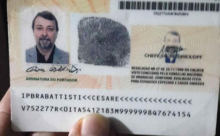il passaporto che aveva in tasca
