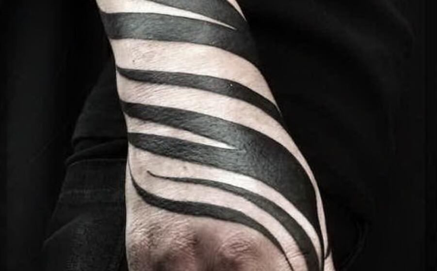 particolare di un tatuaggio zebrato (foto da google)