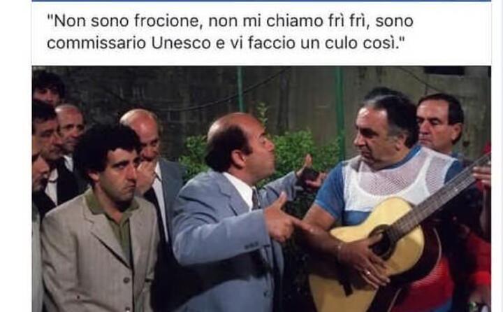 una scena cult con il motivetto cantato dall attore pugliese rivisitato