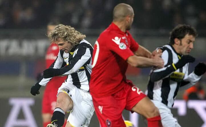pavel nedved in campo (ansa)