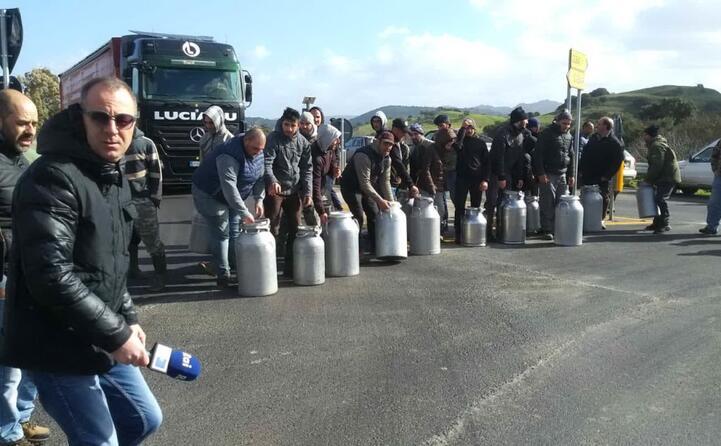 la protesta a berchidda (foto pierluigi sini)