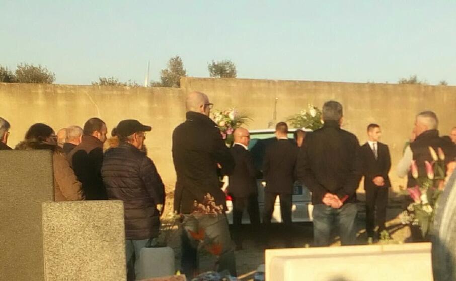 i funerali (foto ignanzio pillosu)