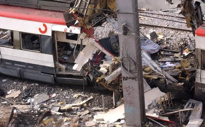 dieci bombe esplodono in quattro stazioni diverse di madrid