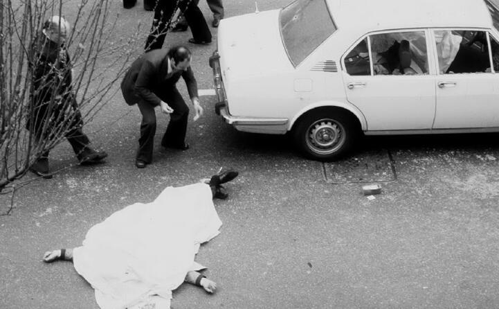 accaddeoggi 16 marzo 1978 un commando della brigate rosse in via fani rapisce aldo moro e uccide gli uomini della sua scorta