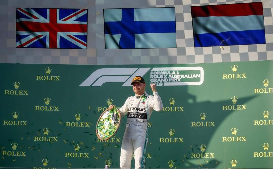 l esultanza del vincitore su podio australiano