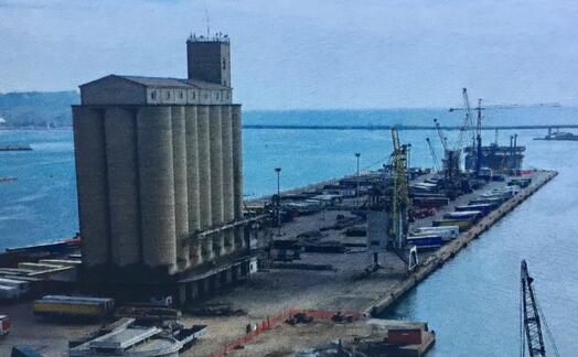 i silos (foto l unione sarda piras)