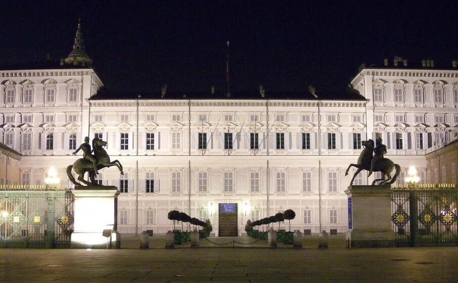il palazzo reale a torino (archivio l unione sarda)