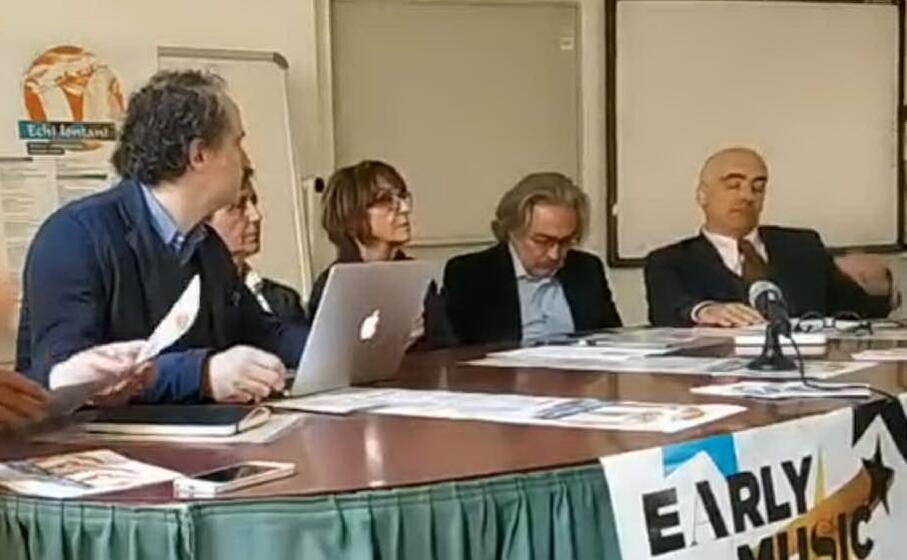 un immagine dalla presentazione dell iniziativa (foto echilontani)