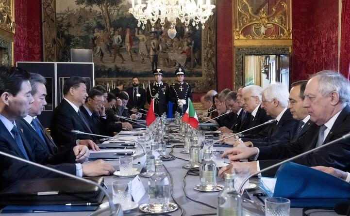 il taovlo di lavoro con le due delegazioni