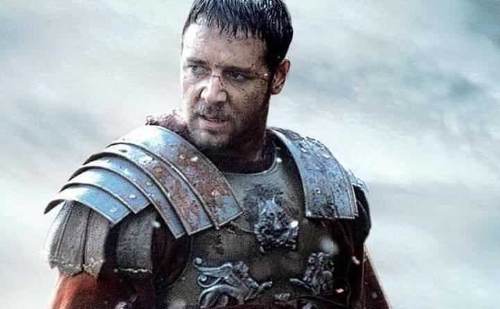 l attore neozelandese conosciuto soprattutto per il gladiatore