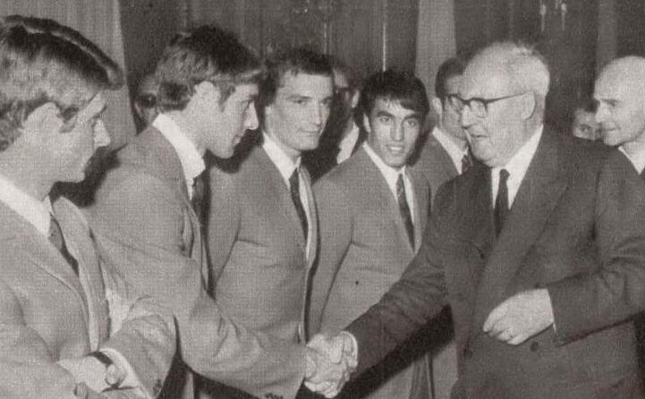 l italia ricevuta dal presidente della repubblica giuseppe saragat dopo la vittoria dell europeo del 1968