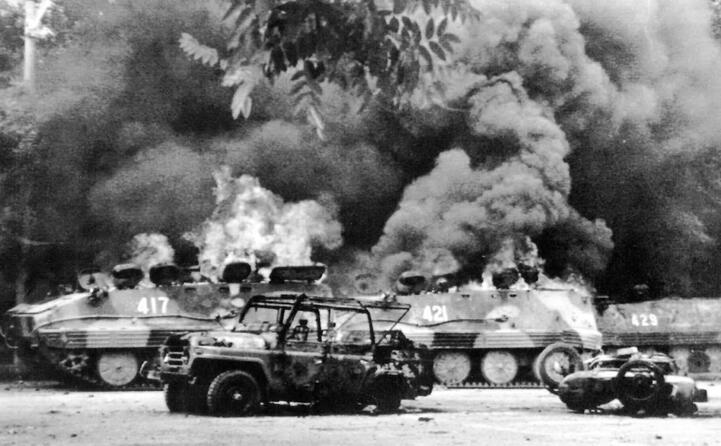la repressione governativa (e gli scontri) furono durissimi