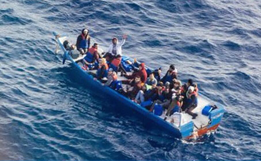 migranti nel mediterraneo (ansa)