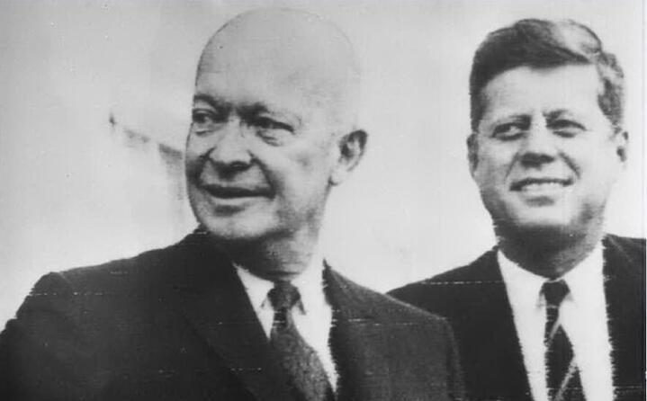 i due presidenti americani dwight eisenhower e john fitgerald kennedy (ansa)