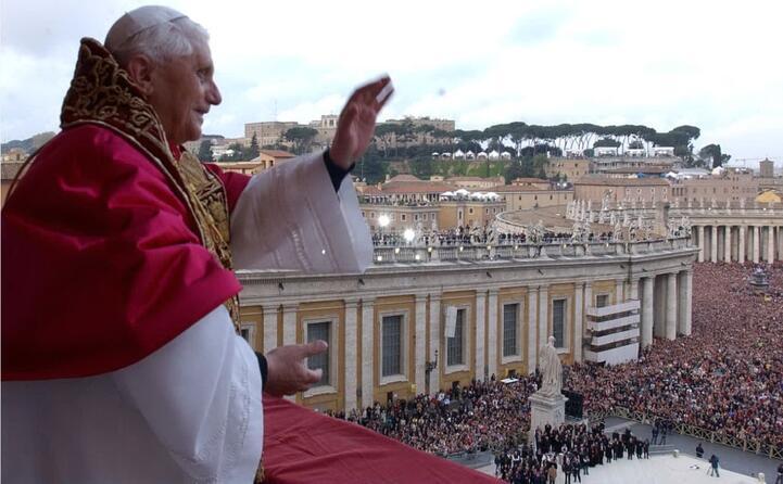 accaddeoggi il 19 aprile del 2005 joseph ratzinger diventa papa con il nome di benedetto xvi (ansa)