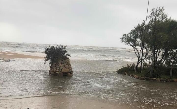 vento e mareggiate litorali sott acqua