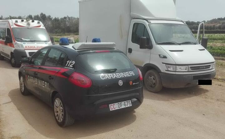 il furgone che ha travolto la vittima (foto carabinieri)