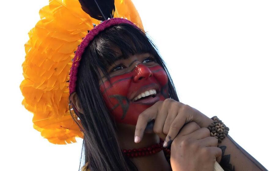 brasile la protesta degli indios contro il presidente bolsonaro
