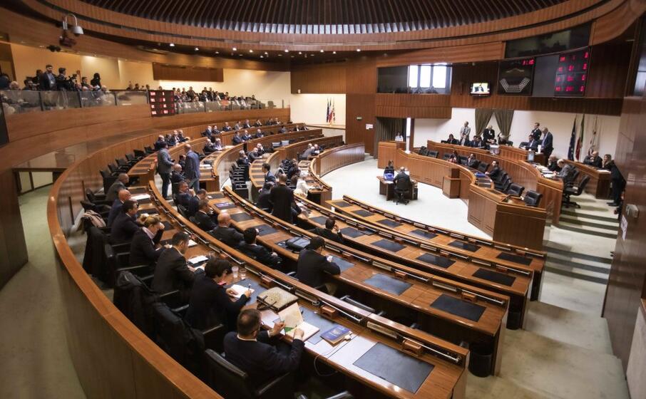 il consiglio regionale (foto l unione sarda solinas)