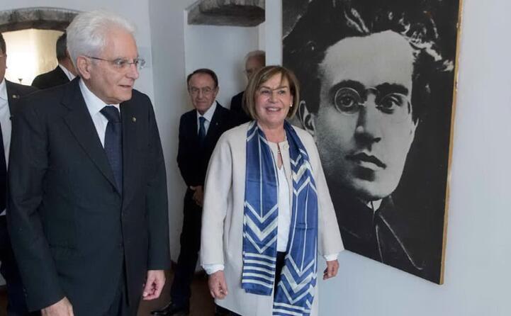 il presidente della repubblica mattarella in visita nel 2017 alla casa museo di ghilarza