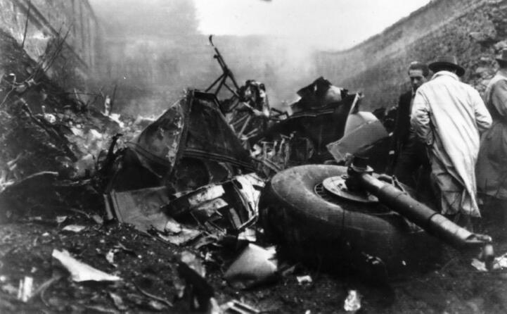 accaddeoggi 4 maggio 1949 l aereo del torino si schianta sulla collina di superga (archivio l unione sarda)