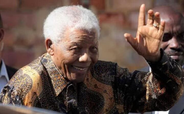 traghetta il sudafrica dall apartheid alla democrazia