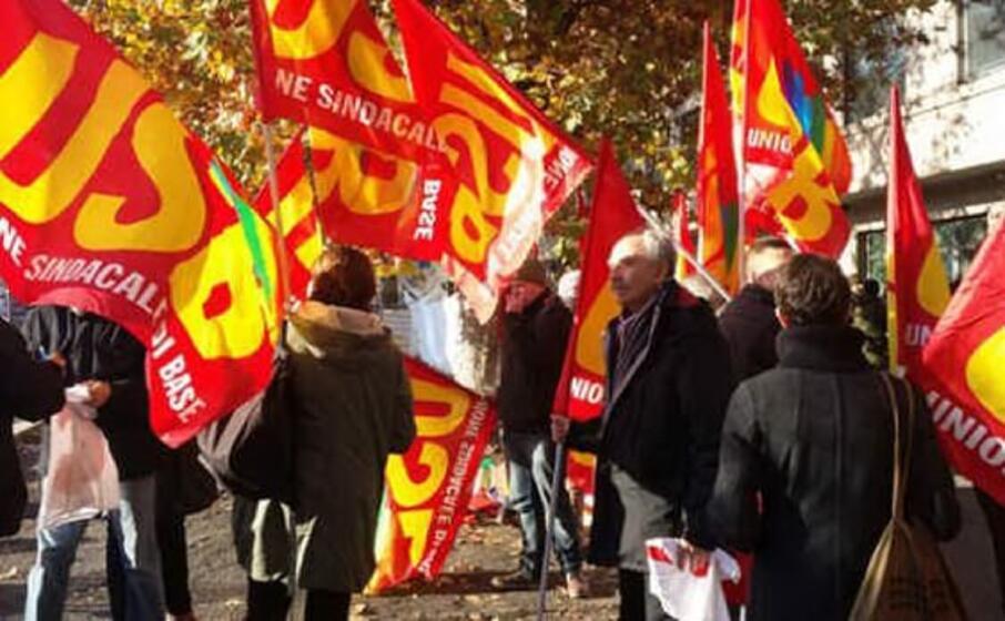 una recente protesta da parte dell usb (l unione sarda foto farris)