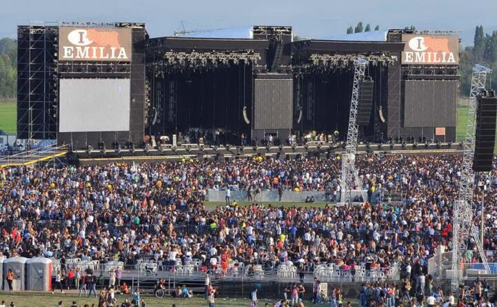 il concertone italia loves emilia per sostenere i terremotati (tutte le foto sono ansa)