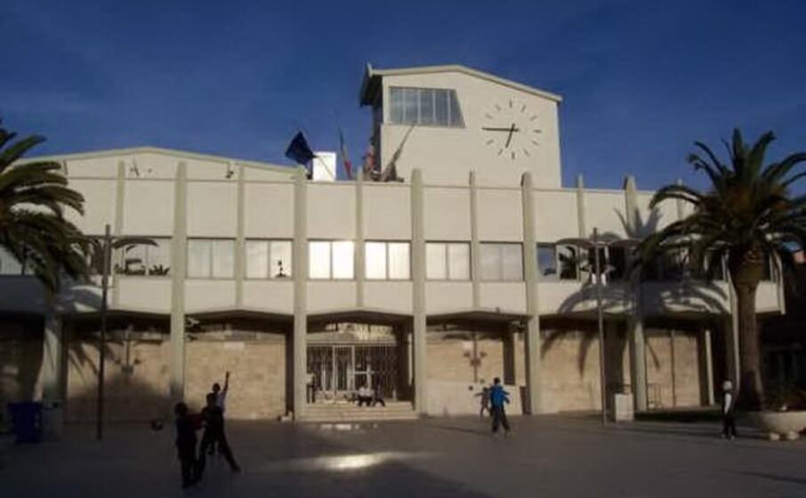 il municipio (foto l unione sarda pala)