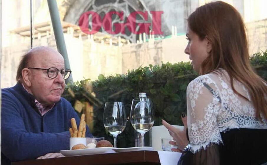 massimo boldi con la nuova compagna a pranzo a milano (foto oggi)