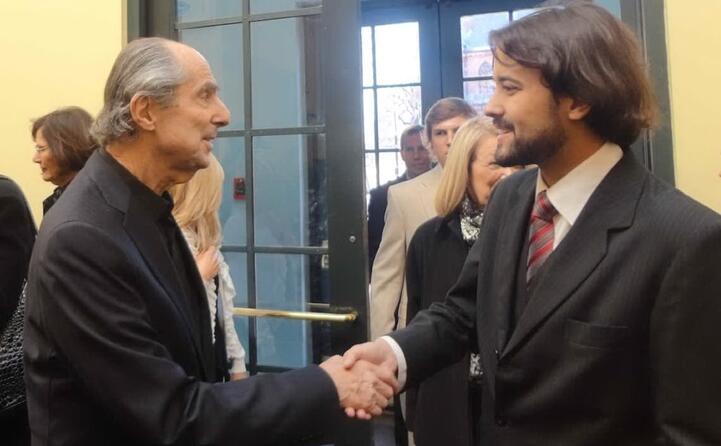 accaddeoggi 22 maggio 2018 muore philip roth (nella foto a sinistra con lo scrittore brasiliano felipe franco munhoz)