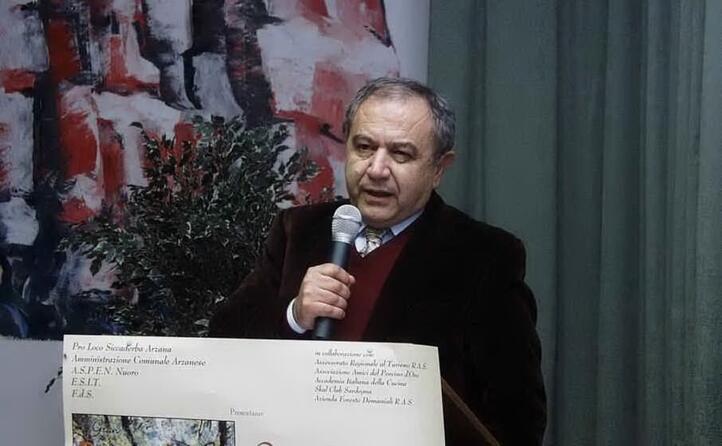 voce importante della cultura sarda stato scrittore giornalista poeta un intellettuale a tutto tondo