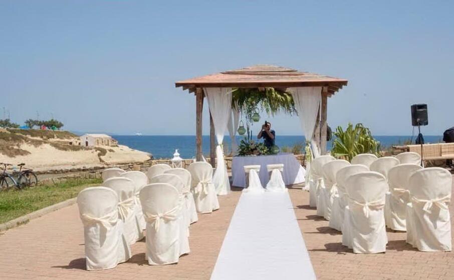 l allestimento di un matrimonio al parco di balai (foto l unione sarda pala)