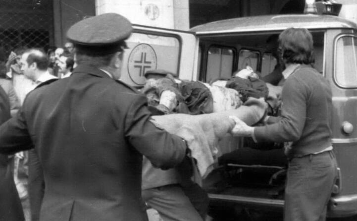nell attentato muoiono otto persone centodue i feriti (ansa)