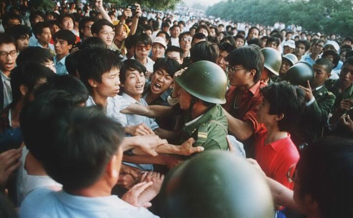 la primavera cinese viene repressa nel sangue (ansa)