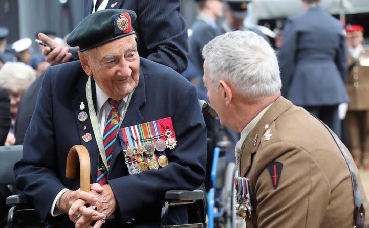alla cerimonia hanno partecipato 300 veterani tutti ultranovantenni