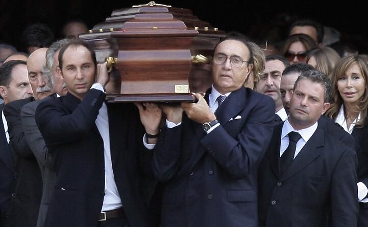ai funerali di mike bongiorno